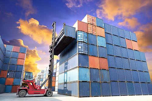 <span>Kereskedelem és logisztika</span>